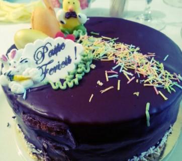 Tort Paste Fericit