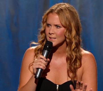 Urmariti orice stand-up video cu Amy Schrumer. Acum!
