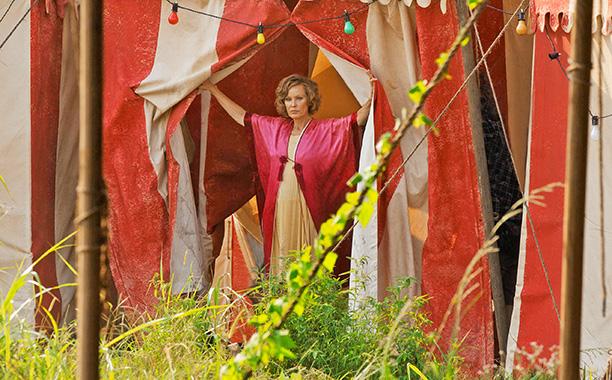Jessica Lange canta ca o adevarata diva!