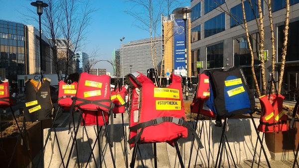 De vorba cu Adela: doi ani departe de Romania