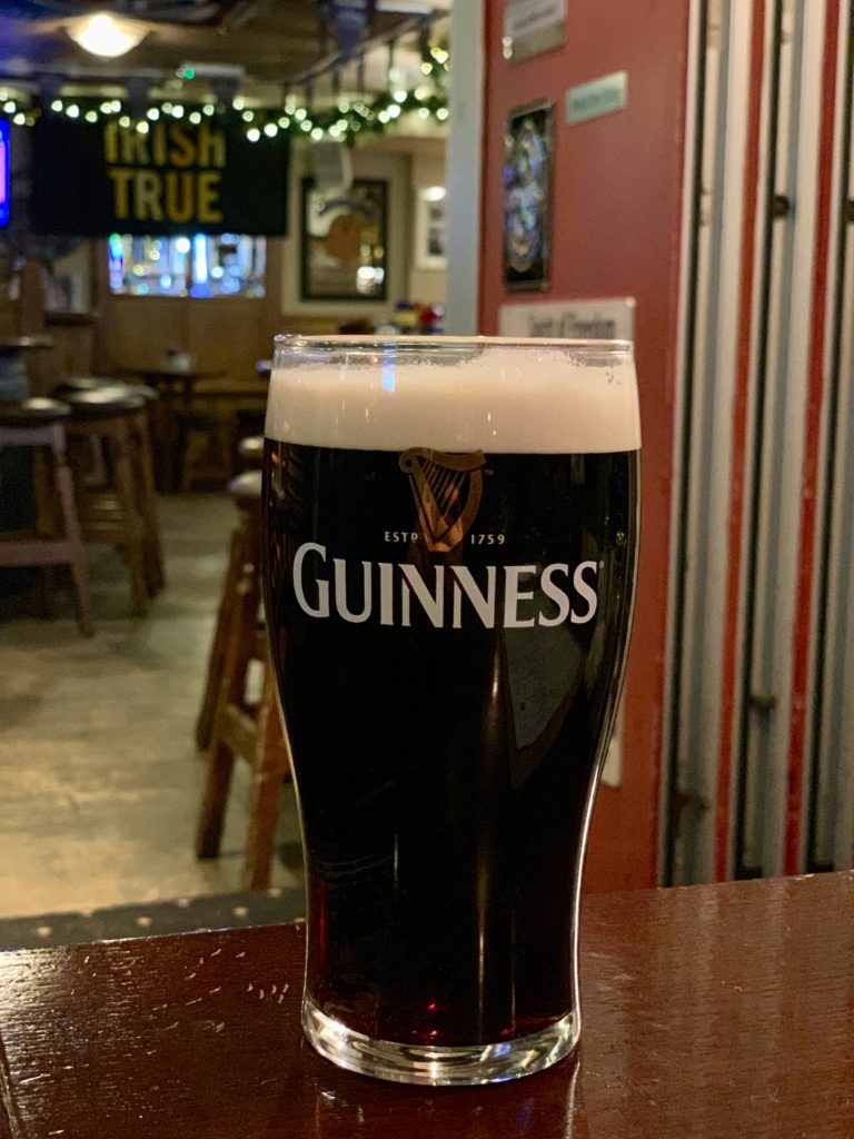 Un Pint de Guinnes la Darkey Kelly's