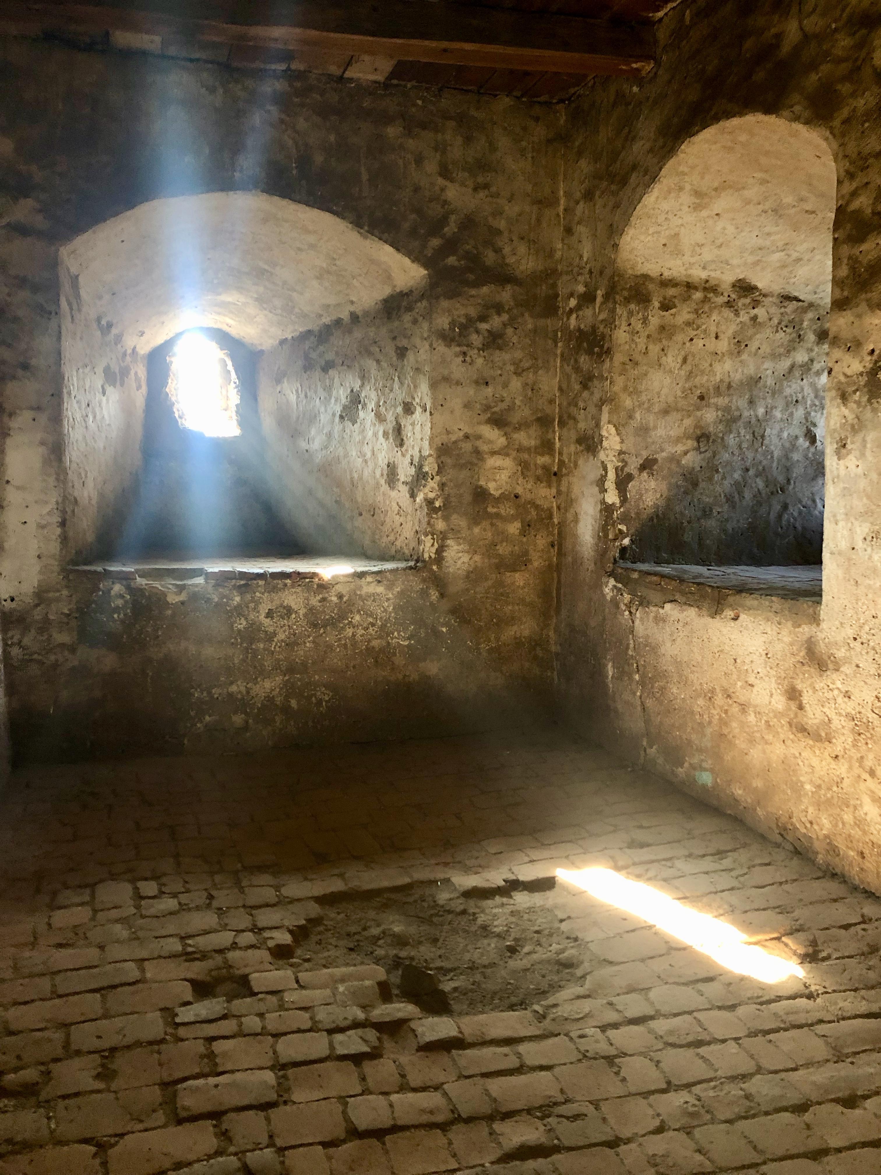 Castelul Corvinilor - Camera unde lumina pica cel mai frumos