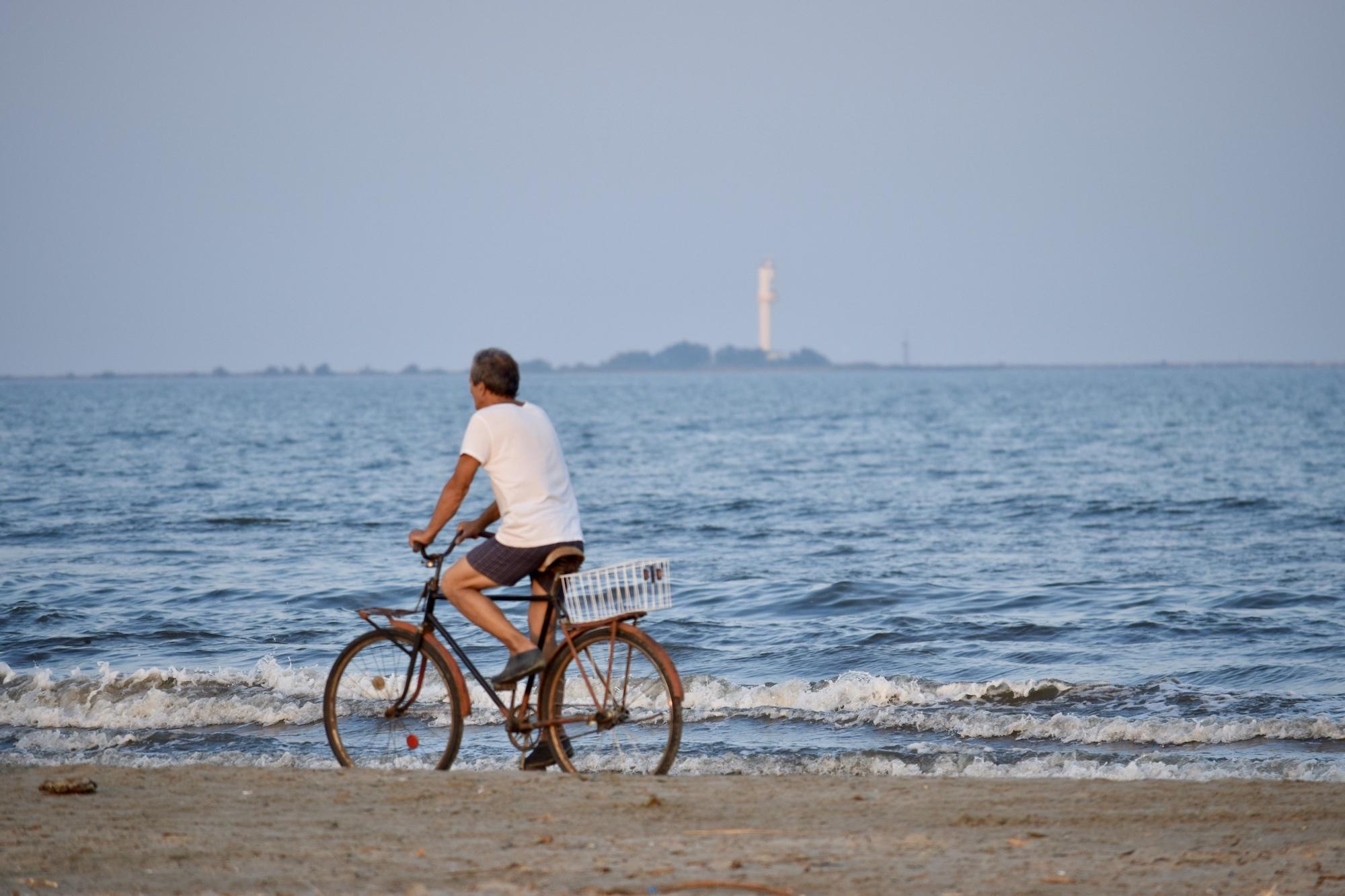 Mare - plimbare cu bicicleta